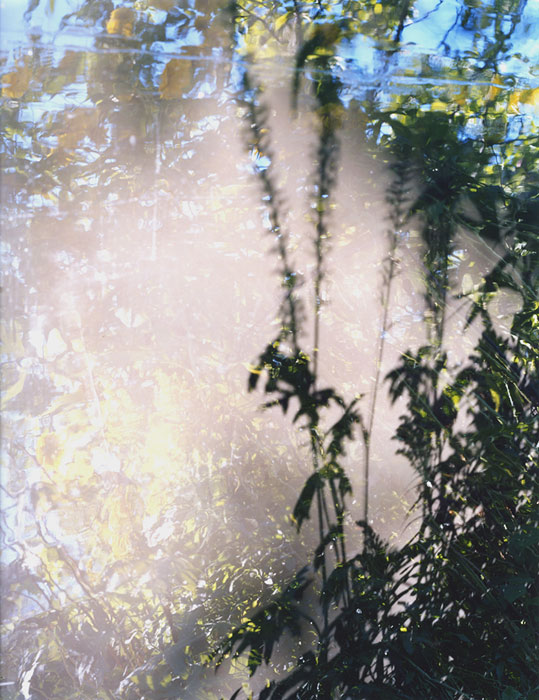<strong>Jorma Puranen: <em>16 steps to paradise 23</em></strong><br /> 2007, puinen kehys 125 x 100 cm, kromogeeninen värivedos akryylilla.<br /> Kuva: Jorma Puranen.