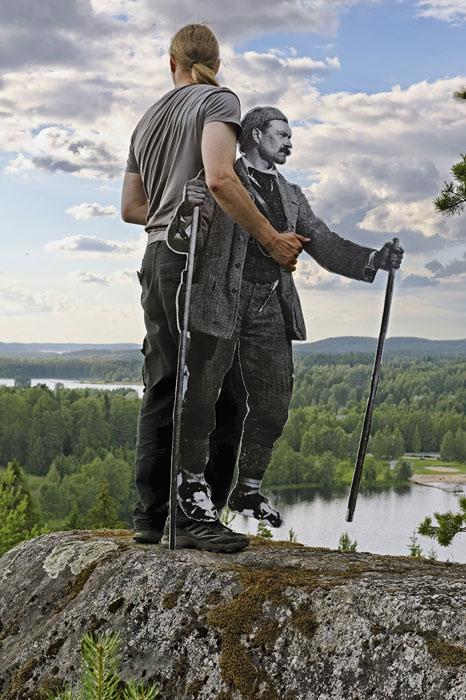 <p><strong>Juha Suonpää: <em>Kirppuvuori</em></strong><br /> 2010, pleksilaminoitu pigmenttituloste.<br /> Kuva: Juha Suonpää.</p>
